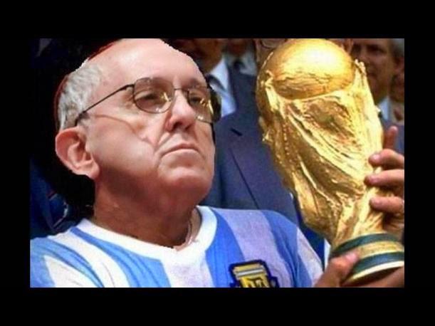 mundial-brasil-2014-memes-papa-francisco-benedicto (2)