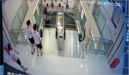 Accidente en escaleras electricas en China