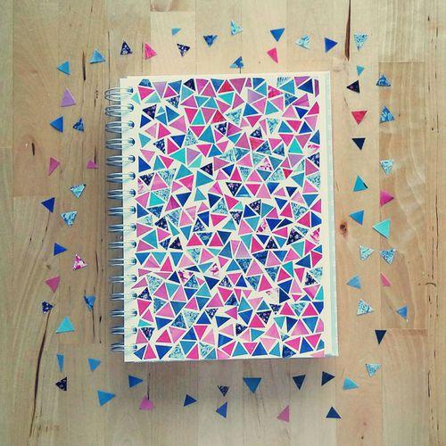 Cuadernos forrados creativamente