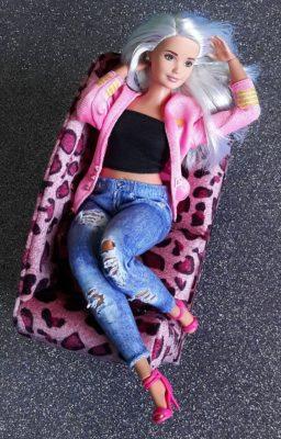Barbie realista